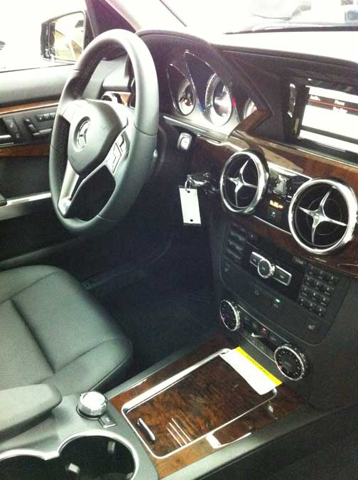 2013 Mercedes GLK350 gear shift placement