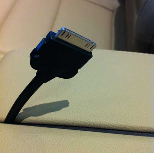 Mercedes Benz to Release Apple iPhone 5 Connector Adapter for 8 Pin Lightning Connector to Replace 30 Pin Connector