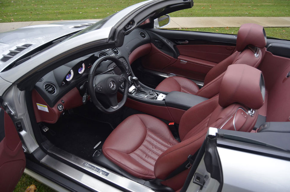 2009-Mercedes-R230-SL550-Silver-Arrow-red-leather-interior