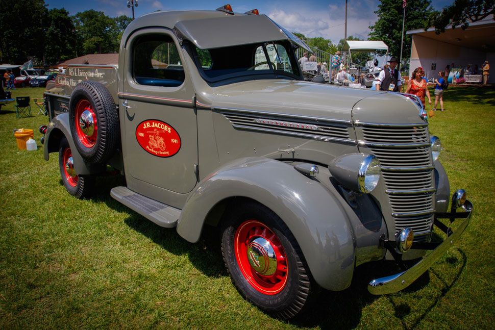 1940-International-Harvester-D2-Pick-Up-Truck